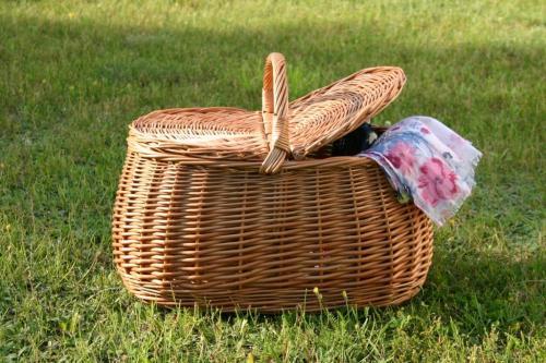 Kosz piknikowy BM 226. Wiklinowy Dom