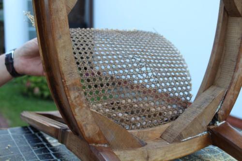 Wymiana plecionki rattanowej w krześle